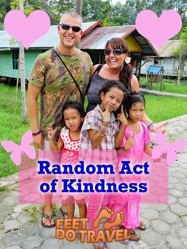 Today's world can seem cold, without heart and harsh at times... but there are things you can do to make it a better place and put a smile on peoples faces and these gestures don't have to be huge or over extravagant. See how FeetDoTravel rose to the challenge of a Random Act of Kindness.